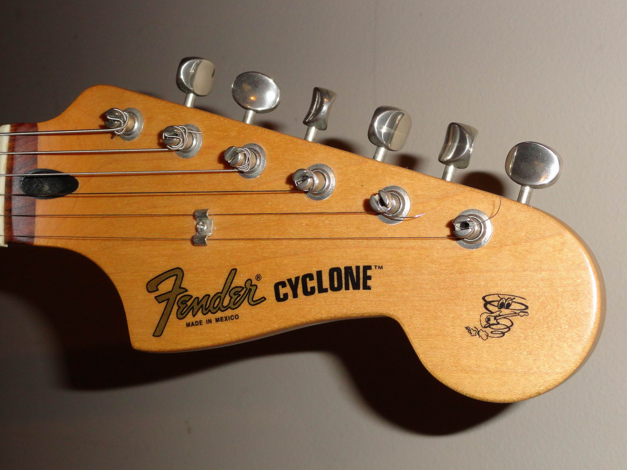 fender 2002 cyclone ii guitar. Black Bedroom Furniture Sets. Home Design Ideas
